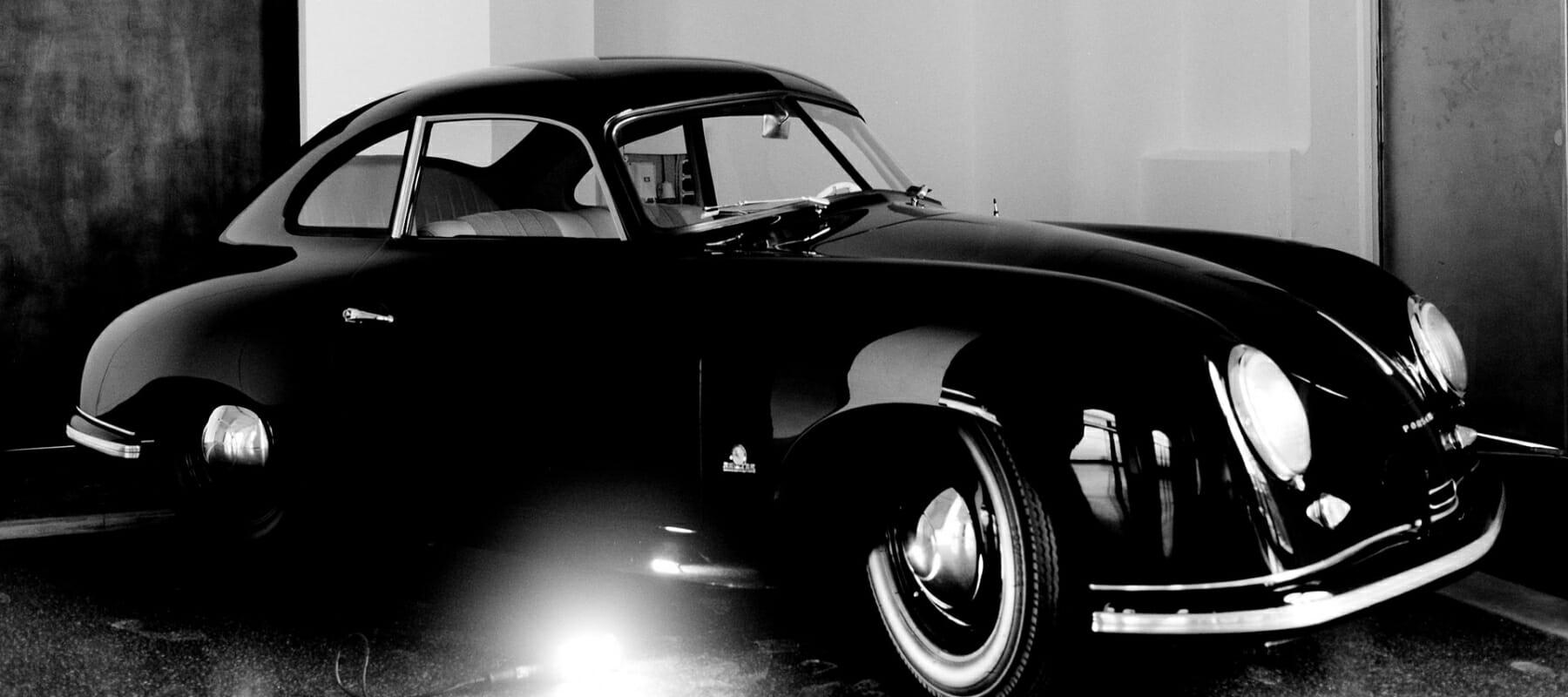 """2008 präsentierte das Automuseum Prototyp in Hamburg die Foto-Ausstellung """"Den Erlkönig gesehen. 7 Tage Prototyp. 7 Fotografen. 7 Blickwinkel"""